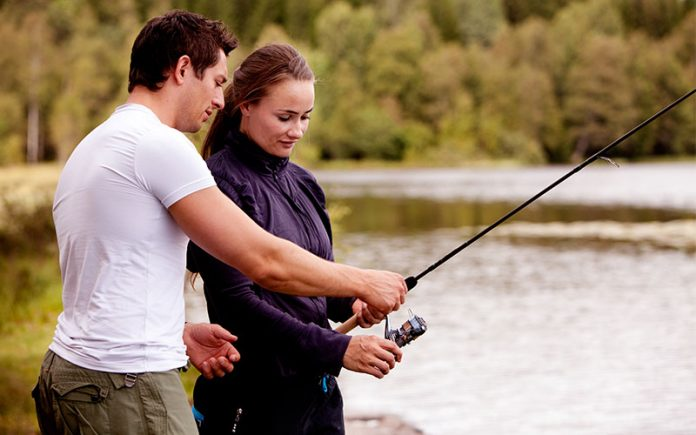 Learn How to Set Up a Fishing Pole in 8 Steps