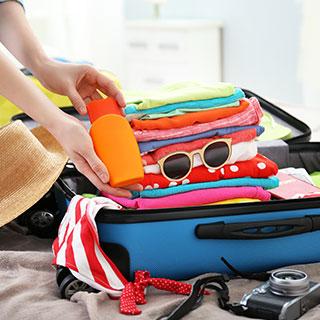 useful travel accessories: Messenger Bag