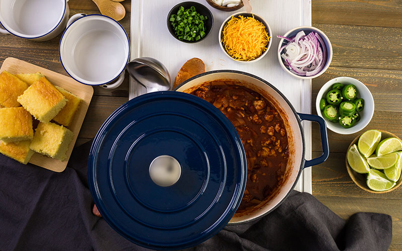 Top 10 Dutch Ovens (Dec. 2019): Reviews & Buyers Guide