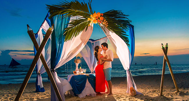 must have travel items: Honeymoon