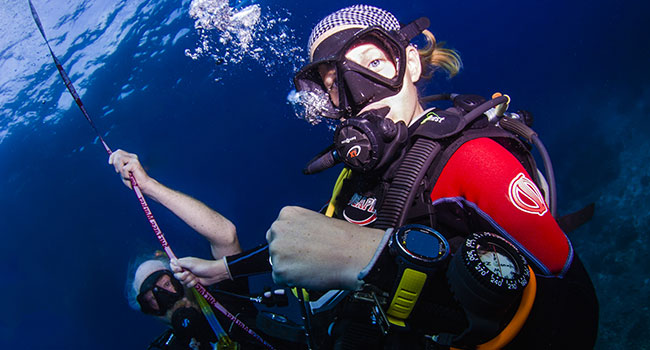 scuba diving gear: Monitoring and Navigation