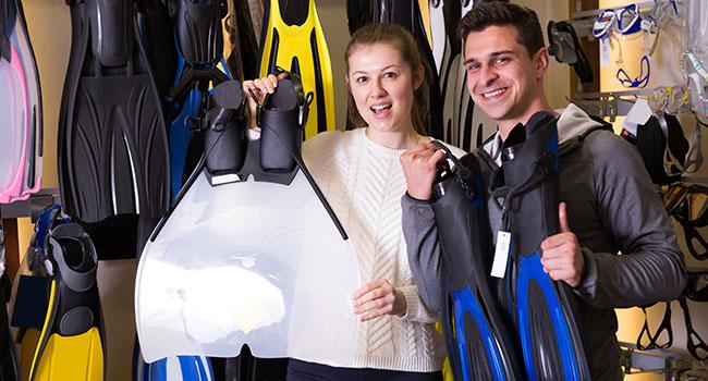 scuba diving gear: Should I Buy or Rent Gear?