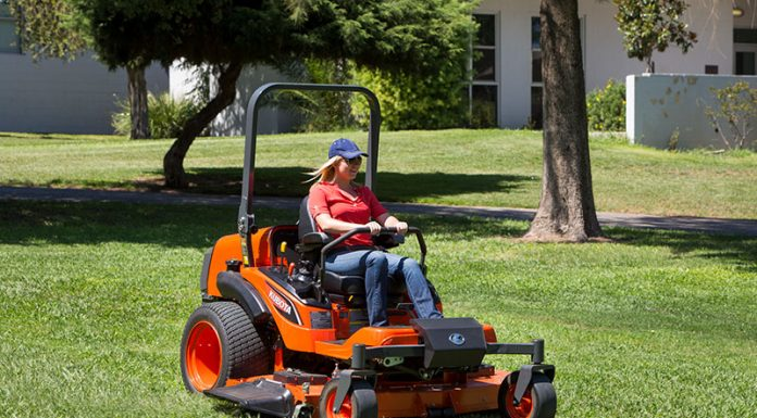 what kind of oil for lawn mower: A Guide To Choosing Lawn Mower Fuels