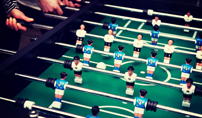 How to play foosball: Jarring
