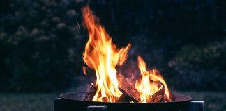 how to light a fire pit: How To Light A Fire Pit In 3 Primitive Ways