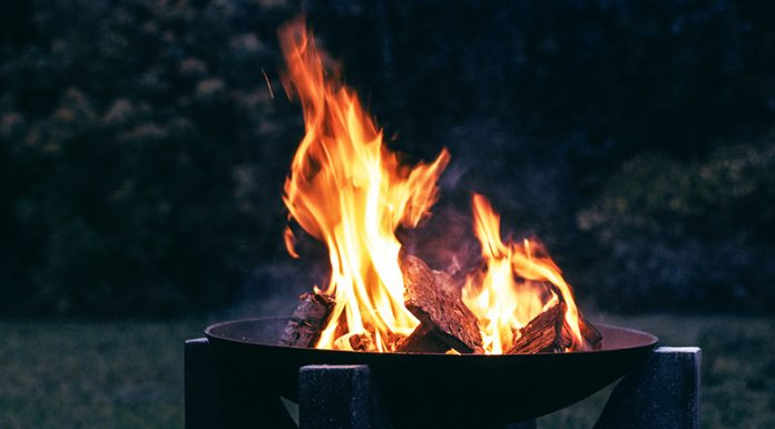 how to light a fire pit: How To Light A Fire Pit In 3 Primitive Ways