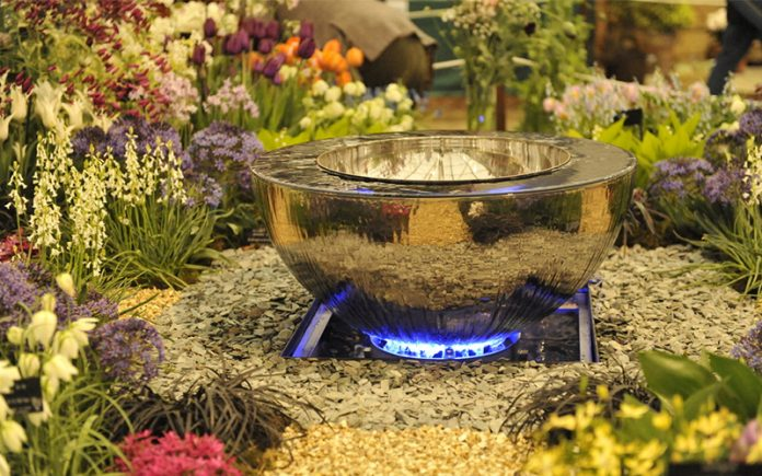 fire pit types: Light up back yard